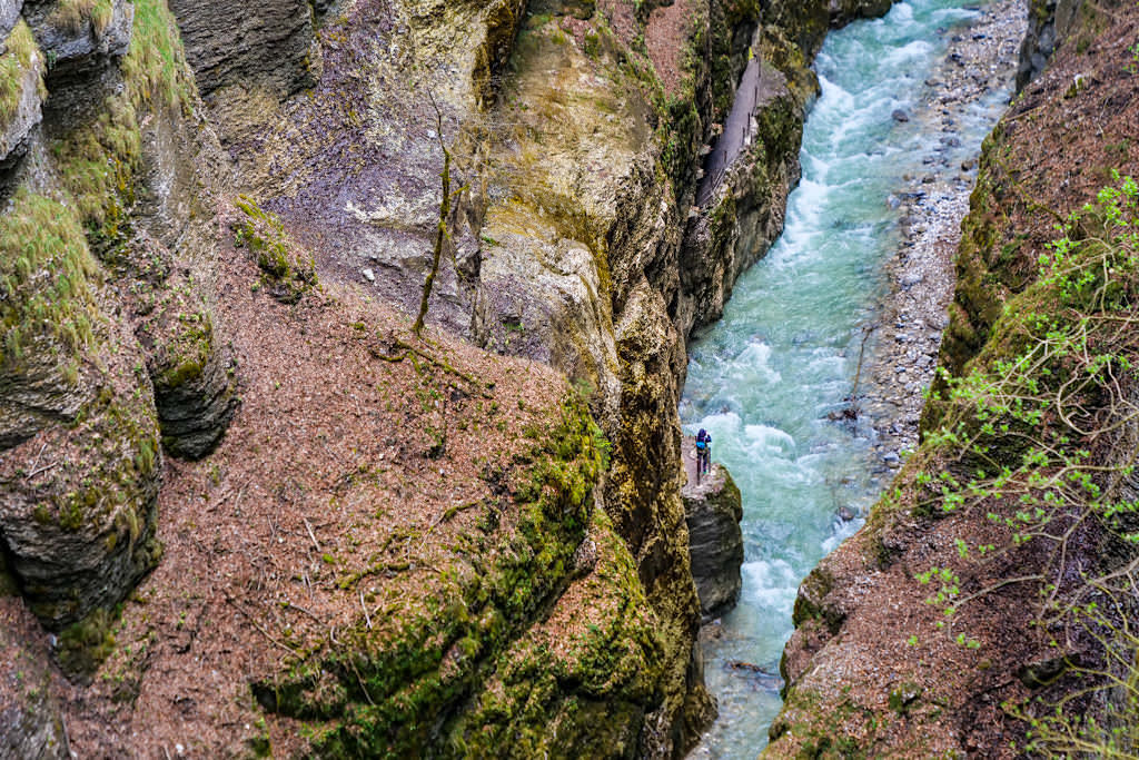 Eiserner Steg - Ausblick auf die Partnachklamm von oben herab - Bayern