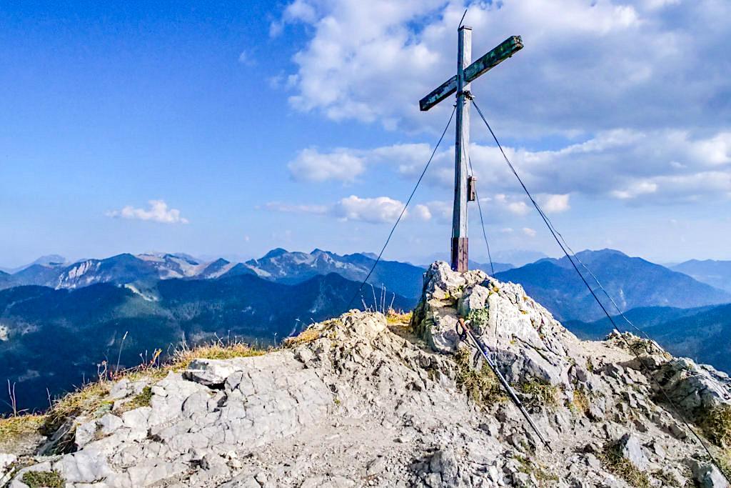 Risserkogel Gipfelkreuz mit Traumausblicken - Tegernseer Berge - Bayern