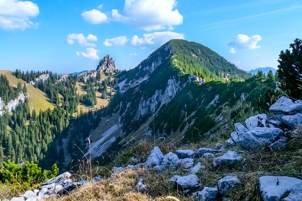 Risserkogel Wanderung - Westgrat und Plankenstein gesehen vom Grubereck - Tegernsee, Bayern