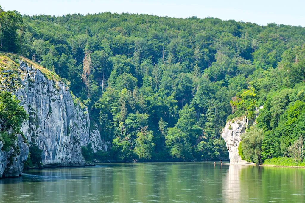 Ausblick Donaudurchbruch bzw. Weltenburger Enge - Altmühltal Schifffahrt - Bayern