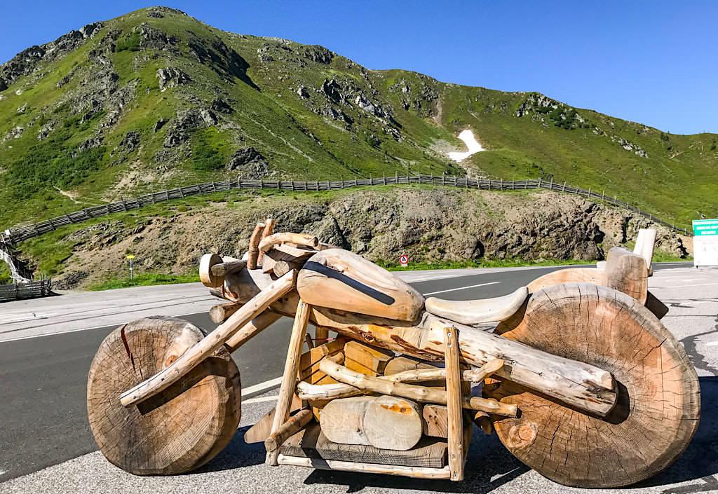 Glockenhütte - Beliebter Motorrad-Treffpunkt an der Nockalm-Panoramastrasse - Kärnten, Österreich