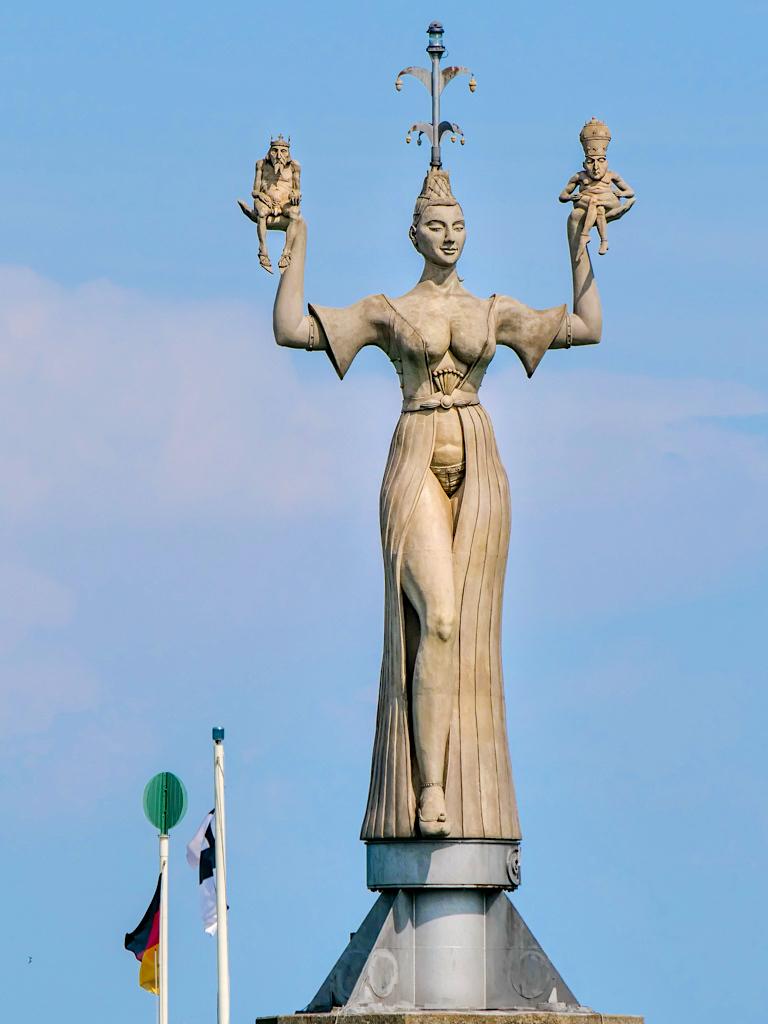 Imperia: Vom Stein des Anstoßes zum Wahrzeichen von Konstanz - Peter Lenk Skulpturen - Baden-Württemberg