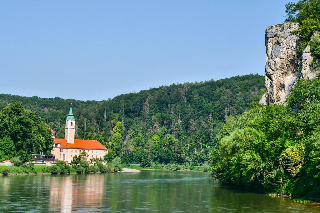 Ausblick auf Kloster Weltenburg - Donau Altmühltal Schifffahrt - Bayern