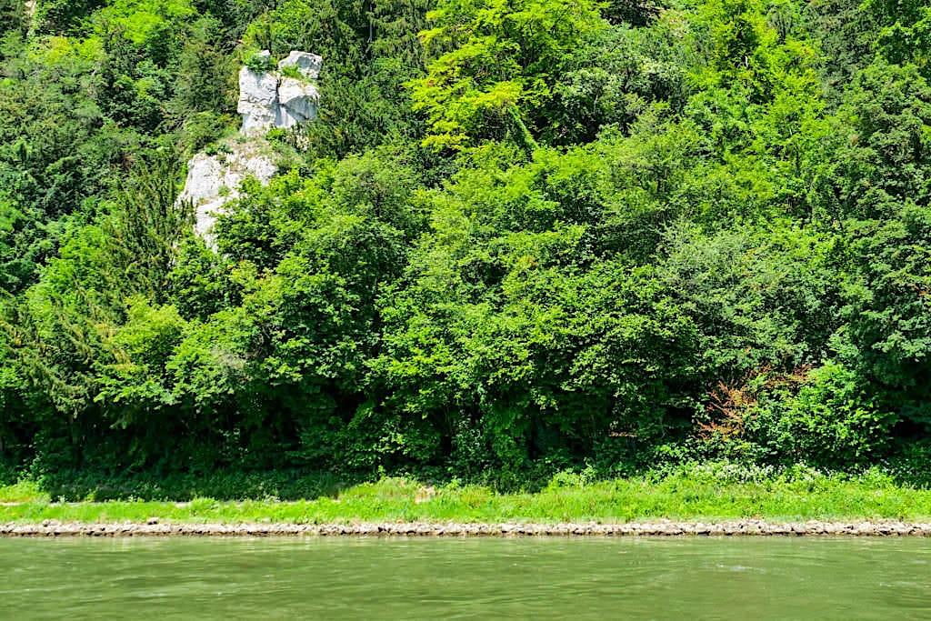 Faszinierende Felsformationen & Legenden - Napoleons Reisekoffer - Donau Altmühltal Schifffahrt zum Donaudurchbruch - Kelheim, Bayern