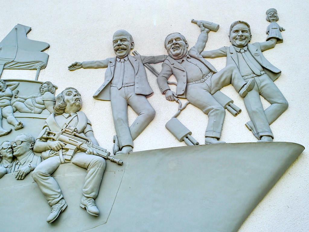 Narrenschiff Bodman - Automobilskandale & AFD Promi - Peter Lenk Skulptur - Baden-Württemberg
