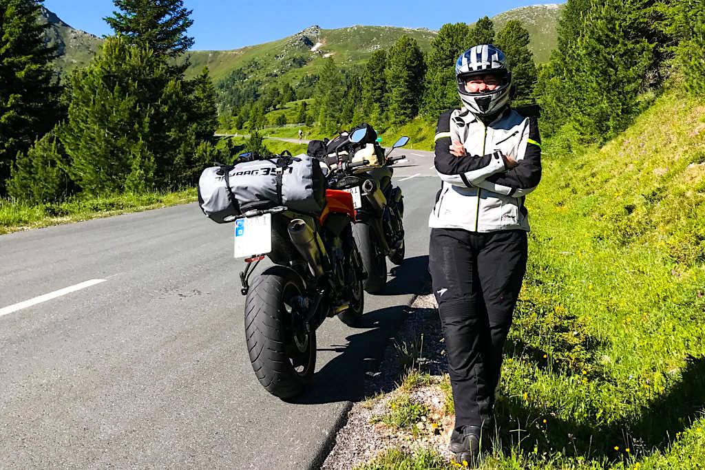 Die 52 sanften Kehren der Nockalmstraße sind sehr beliebt bei den Motorradfahrern - Kärnten, Österreich
