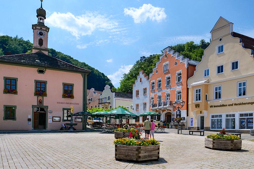 Das malerisches Riedenburg mit historischen Zentrum ist immer einen Besuch wert - Altmühltal Schifffahrt - Bayern