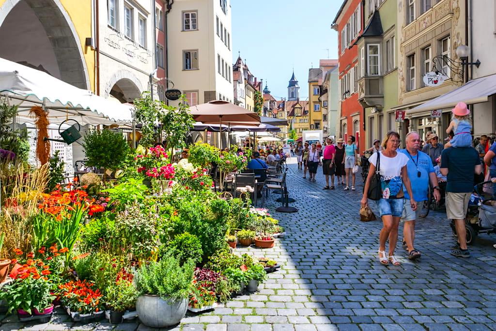 Lindau Altstadtbummel durch die Gassen - Dreiländer-Bodenseerundfahrt Sightseeing und Zwischenstopp auf der Insel Lindau - Bayern
