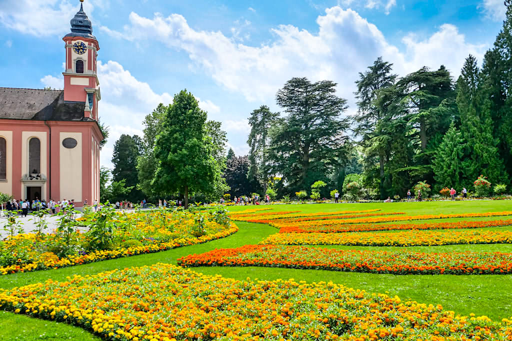 Blumeninsel Mainau - Schlosskirche St. Marien und schön angelegter Schlosspark - Baden-Württemberg