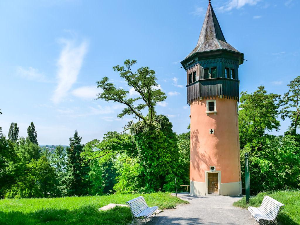 Blumeninsel Mainau - Der Schwedenturm ist zum Wahrzeichen der Insel Mainau geworden - Bodensee - Baden-Württemberg
