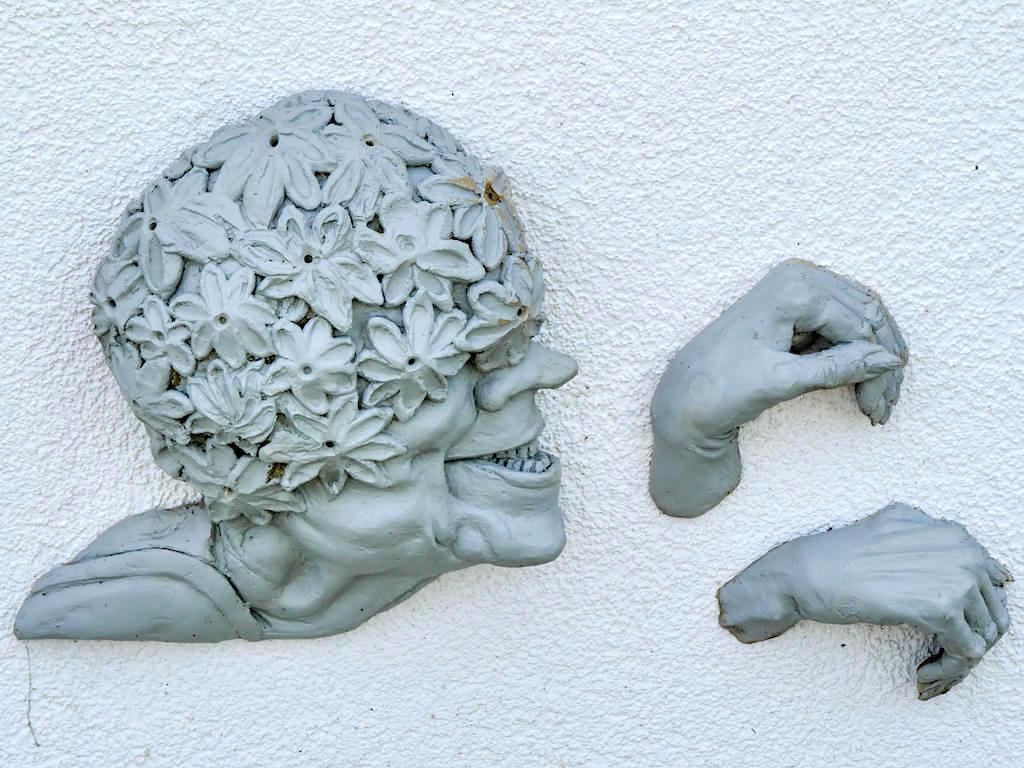 Narrenschiff - Teil der Skulpturengruppe von Peter Lenk - Bodman, Baden-Württemberg