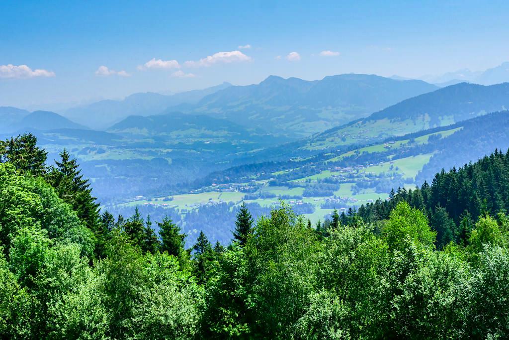 Pfänder-Gipfel - Ausblick auf die Bergwelt und über 240 Gipfel bei idealer Fernsicht - Bregenz, Österreich