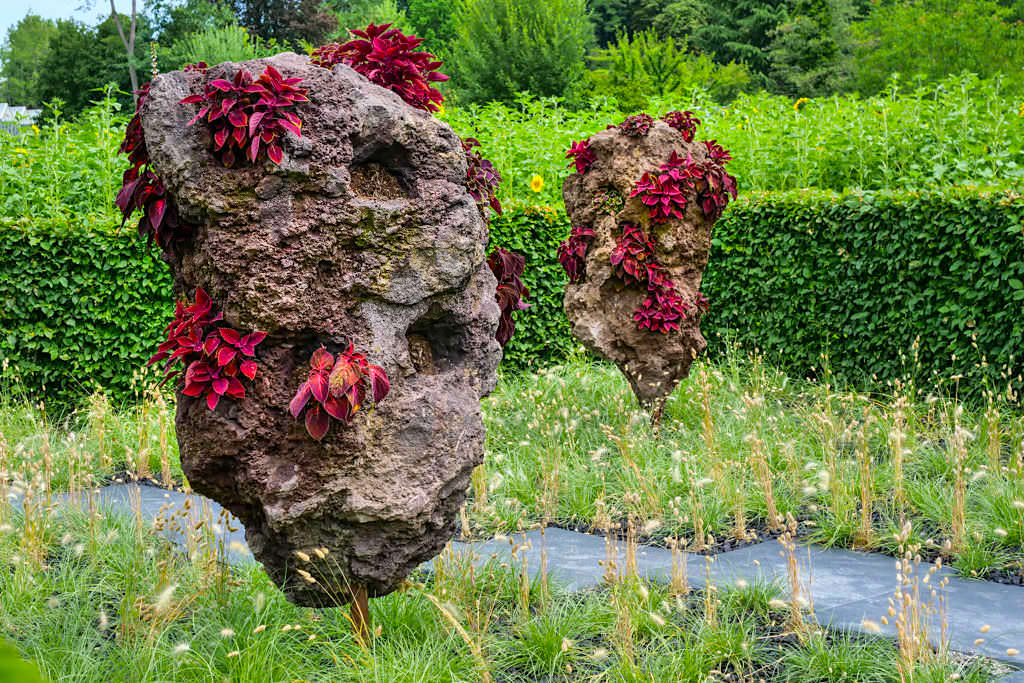 """Saisonale Gärten - Kunstprojekt """"Fremde Welten"""" ein jährlich wechselndes Highlight der Blumeninsel Mainau - Baden-Württemberg"""