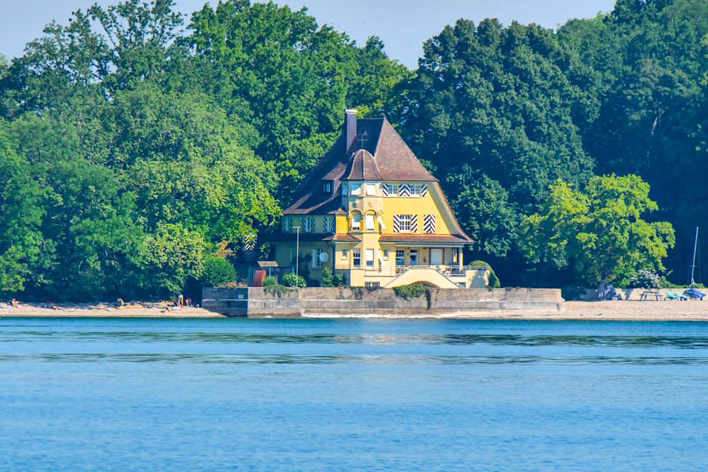 Schöne, prachtvolle Villen säumen das Bodensee-Ufer - Baden-Württemberg