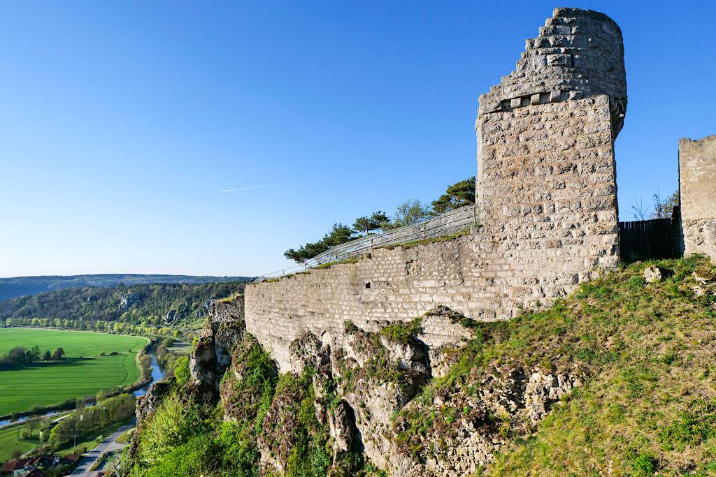 Burg Arnsberg - Burgmauer & grandiose Ausblicke auf Arnsberger Leite und Altmühl - Altmühltal Sehenswürdigkeiten - Bayern