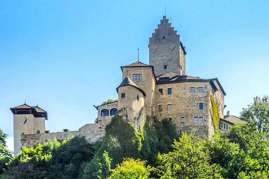 Burg Kipfenberg - Schöne Burg oberhalb von Markt Kipfenberg - Altmühltal Sehenswürdigkeiten - Bayern
