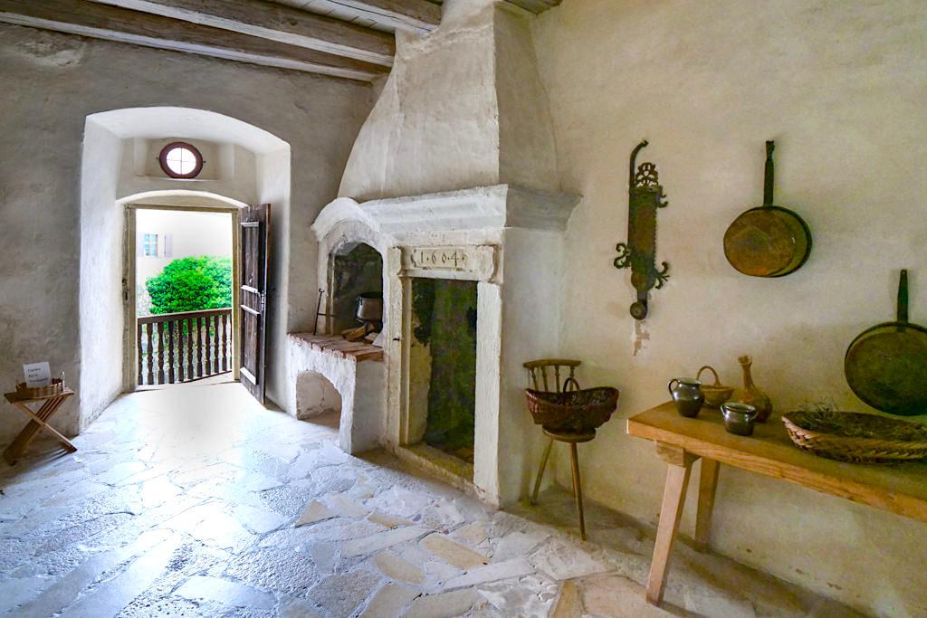 Burg Prunn - Renaissanceküche der Burg gibt Einblick in den Küchenalltag des Mittelalters- Altmühltal, Bayern