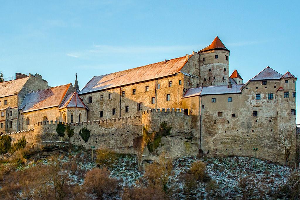 Burg zu Burghausen ist mit 1051m die längste Burg der Welt - Bayern