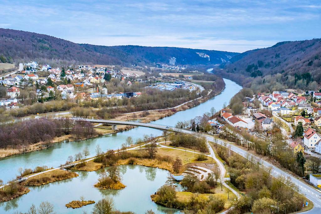 Burgruine Rabenstein - Ausblick auf Riedenburg, Main-Donau-Kanal bis zur Burg Prunn - Altmühltal - Bayern