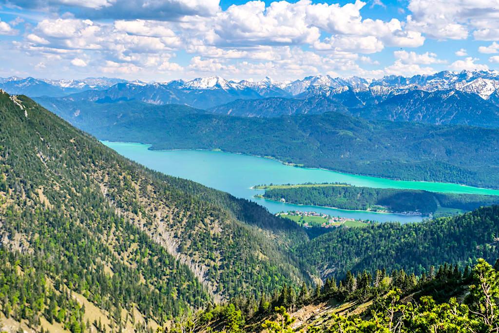 Heimgarten-Gipfel - Atemberaubend schöne Ausblicke auf den türkisfarbenen Walchensee & die imposante Bergkulisse dahinter - Bayern