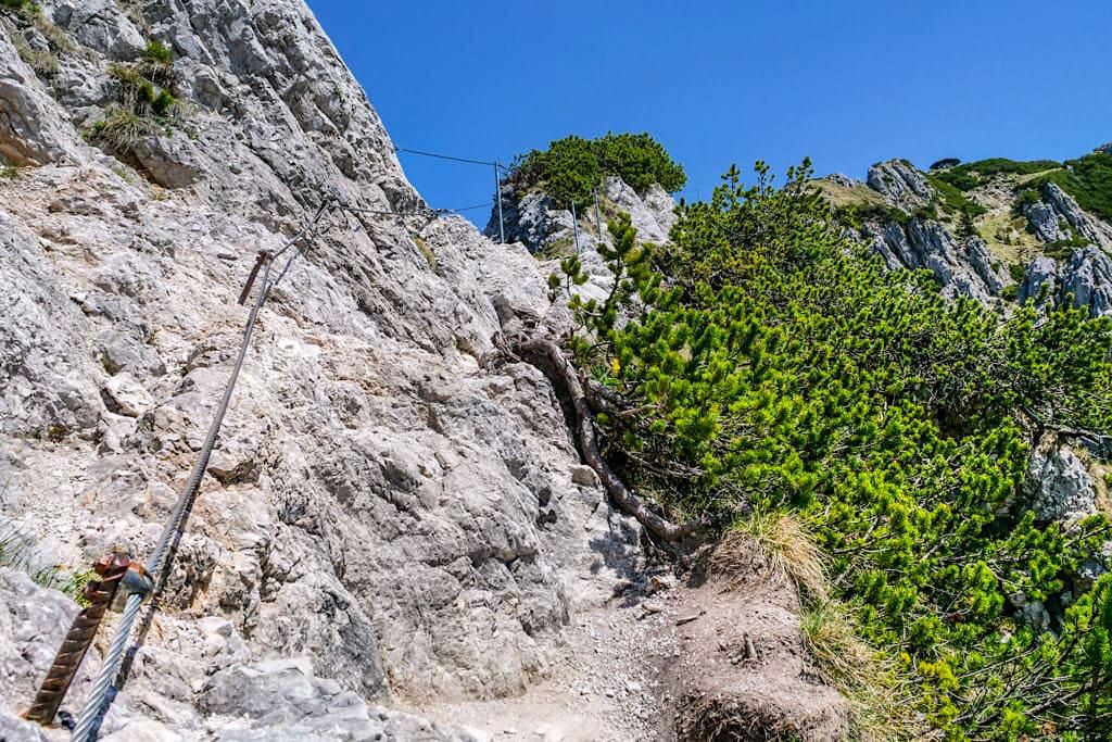 Herzogstand Heimgarten Steig - Seilsicherungen an exponierten Stellen - Walchensee, Bayern