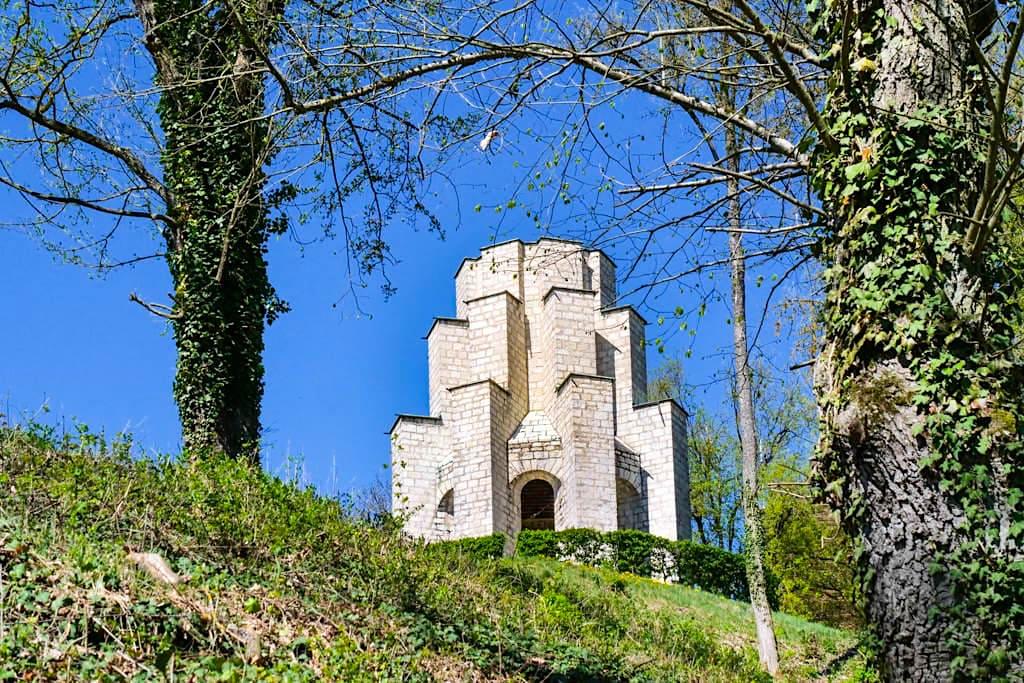 Kriegerdenkmal Treuchtlingen - Obere Veste oder Burg Treuchtlingen - Altmühltal - Bayern