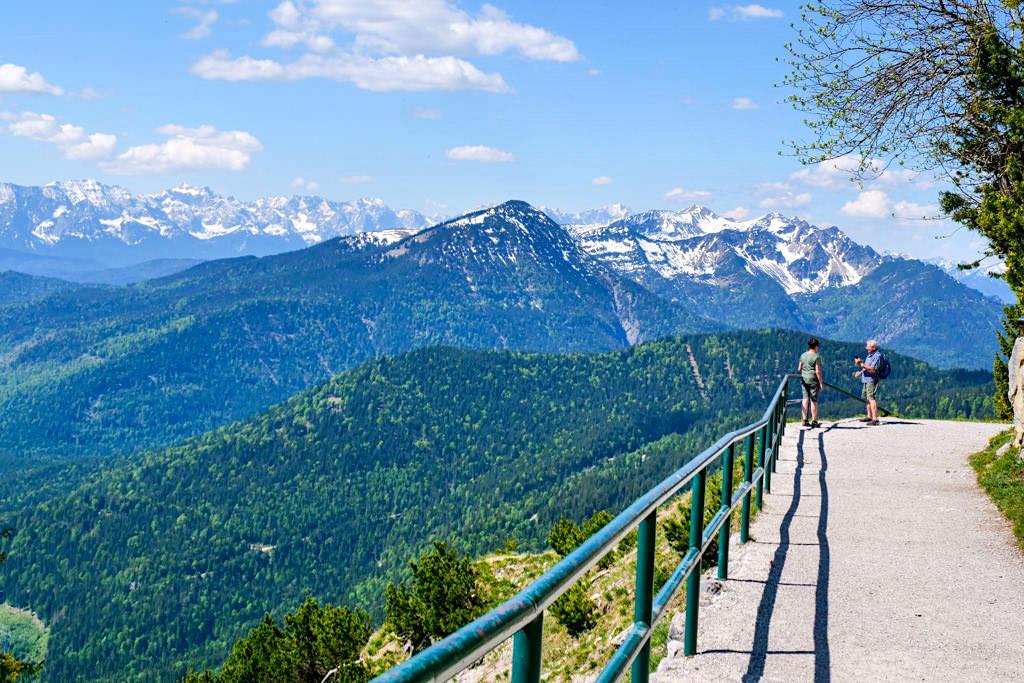 Panoramaweg von der Herzogstand-Bahn - Überschreitung und Rundwanderung vom Herzogstand zum Heimgarten - Walchensee, Bayern