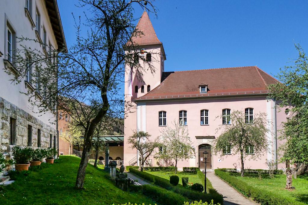 Pfarrkirche und historische Sola-Basilika von Solnhofen - Altmühltal Sehenswürdigkeiten - Bayern