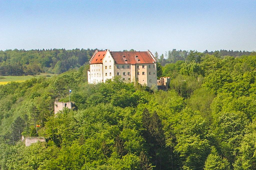 Schloss Rosenburg bei Riedenburg mit Falknerei & Greifvogelschau - Altmühltal - Bayern
