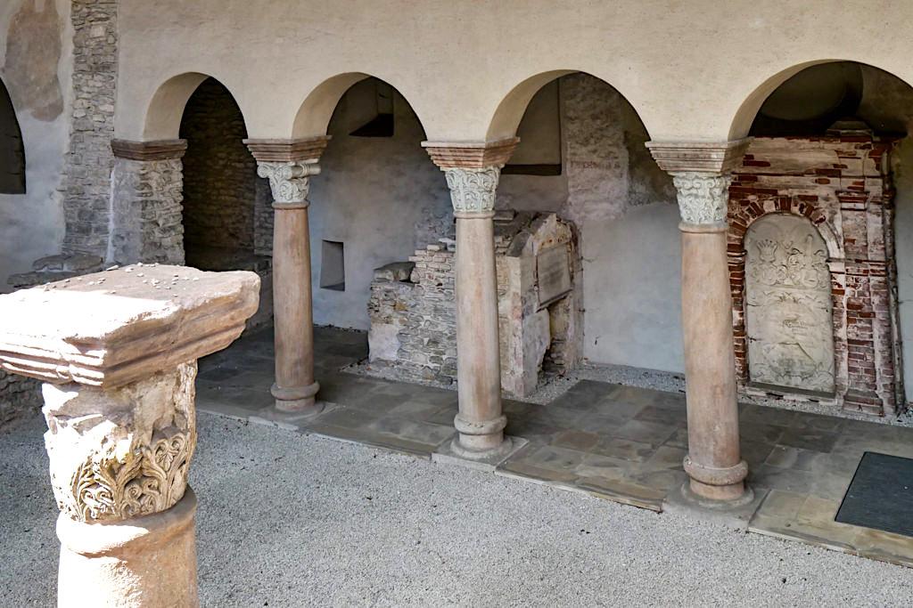 Sola-Basilika von Solnhofen - Säulen & Grabkammern - Altmühltal Ausflugstipps - Bayern