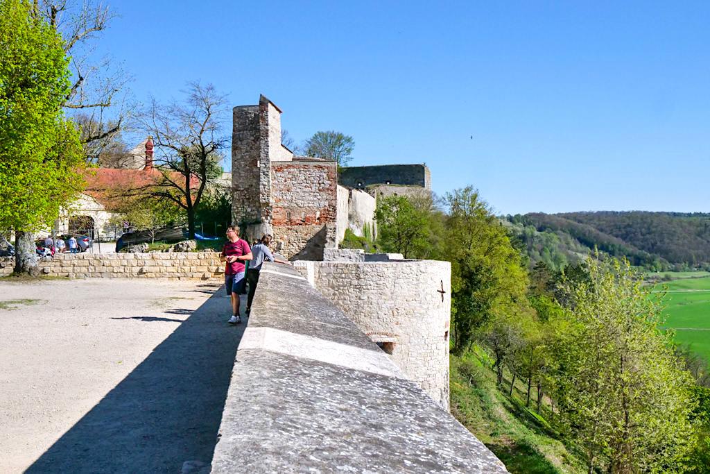 Willibaldsburg - Herrliche Ausblicke vom schönen Burghof - Altmühltal Ausflugsziele - Bayern