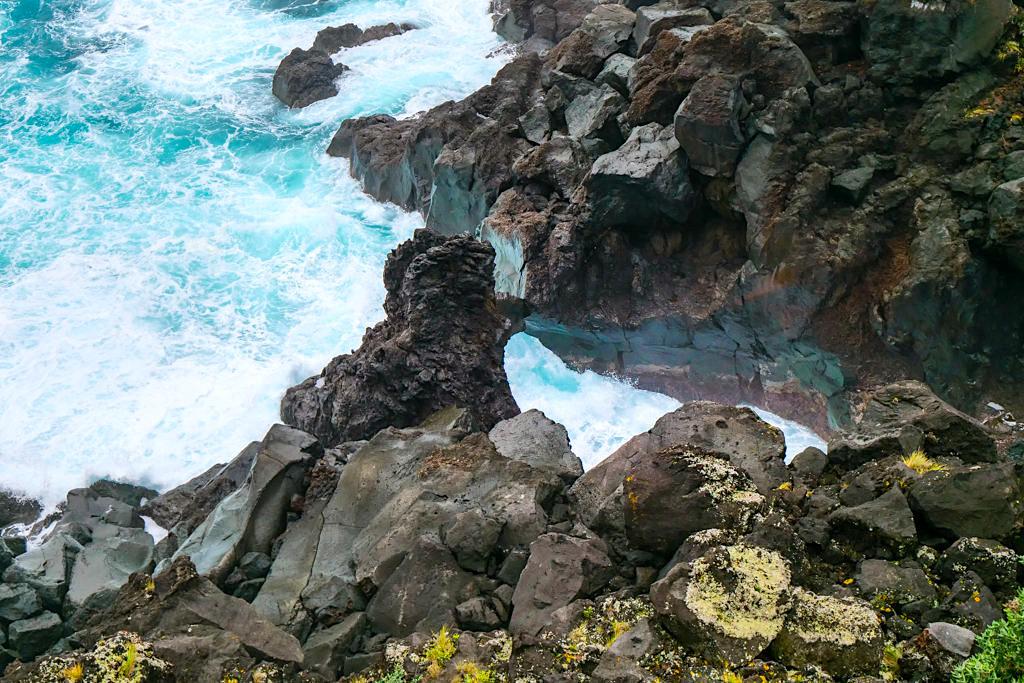 Geheimtipp Miradouro da Pontinha - Grandiose Ausblicke auf Felsentore, die vom Atlantik ausgespült werden - Pico, Azoren