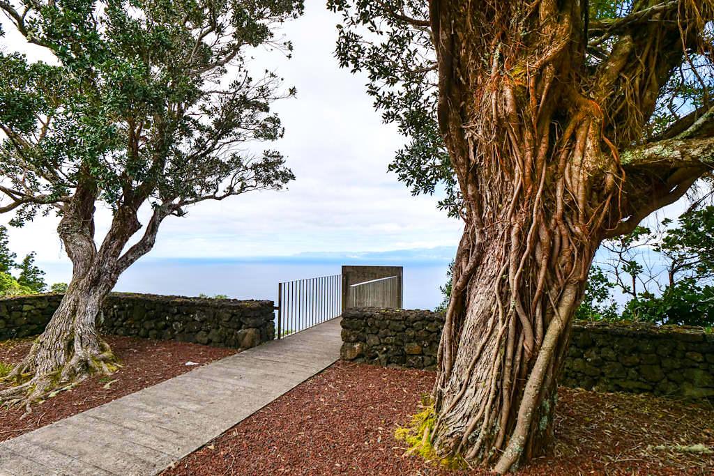 Miradouro Terra Alta - Faszinierender Aussichtspunkt an der Nordküste von Pico - Azoren