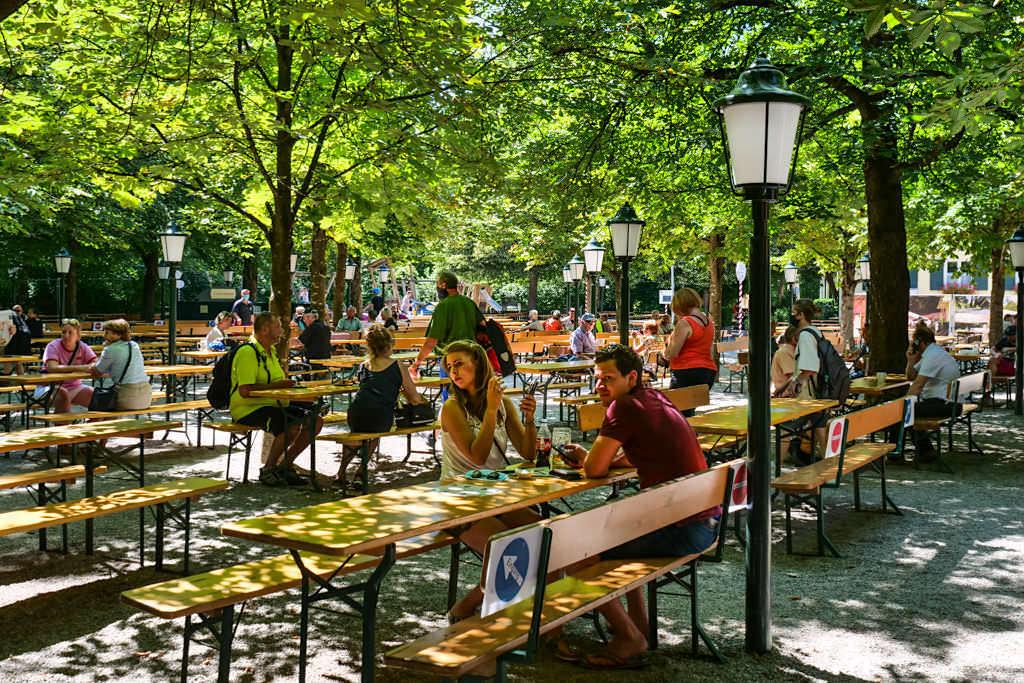 Biergarten Aumeister - Freundlich, urig-schöner Biergarten im Nordteil des Englischer Gartens - München, Bayern