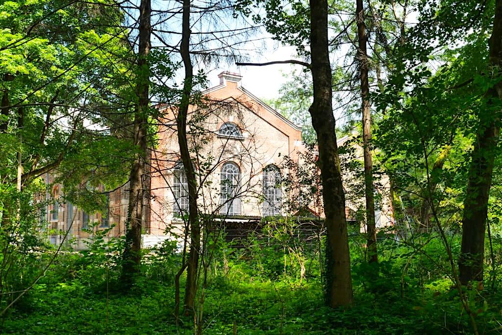 Tivoli Kraftwerk - Historische Bauwerke imEnglischer Garten - München, Bayern