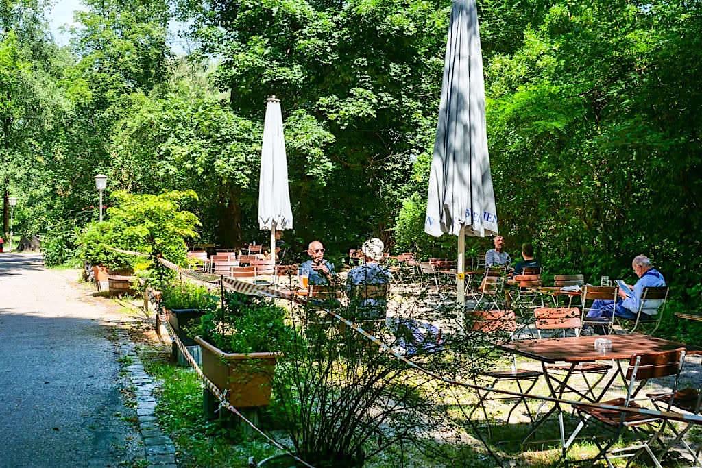 Urig, ruhiger Biergarten am Tivoli Pavillon - Englischer Garten Nordteil - München, Bayern
