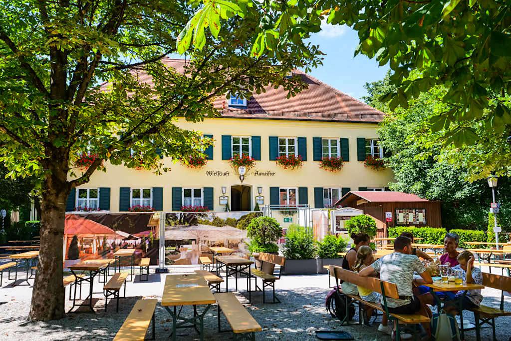 Wirtschaft Aumeister & urig, gemütlicher Biergarten am Nordende des Englischer Gartens - München, Bayern
