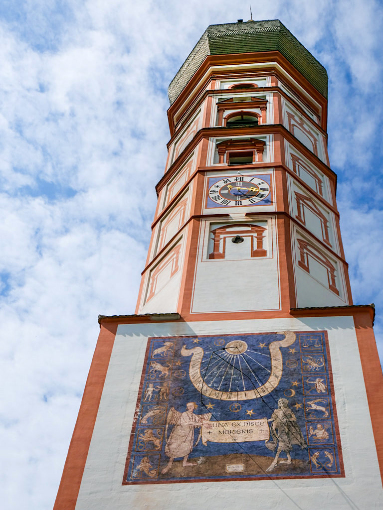 Kirchturm der Wallfahrtskirche Kloster Andechs - Bayern