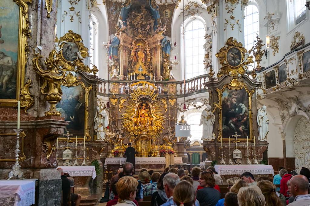 Kloster Andechs Wallfahrtskirche Sankt Nikolaus und Sankt Elisabeth nahe Herrsching am Ammersee - Bayern