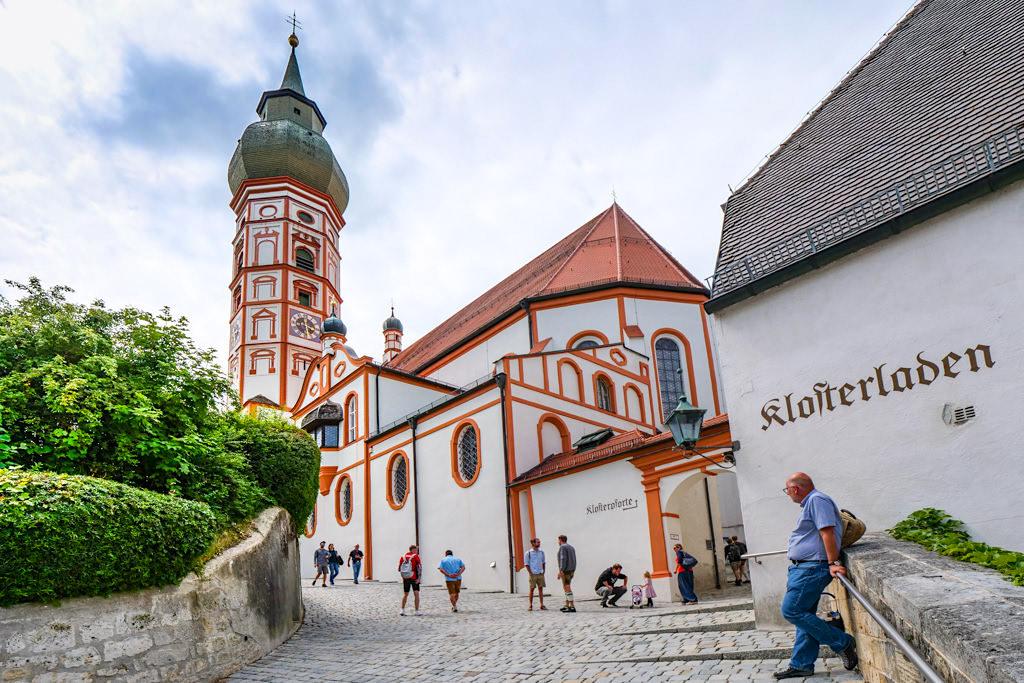 Kloster Andechs auf dem Heiligen Berg - Wanderung von Starnberg über den Maisinger See nach HerrschingBayern