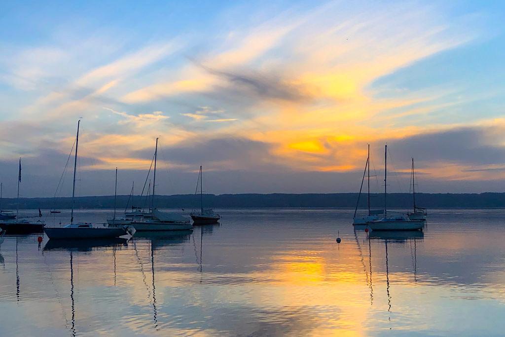 Sonnenuntergang in Herrsching am Ammersee - Wanderung vom Starnberger See zum Ammersee - Bayern
