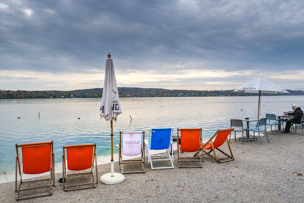 Idyllisch gelegene Seebar am Starnberger See mit grandiosem Ausblick - Starnberg, Bayern