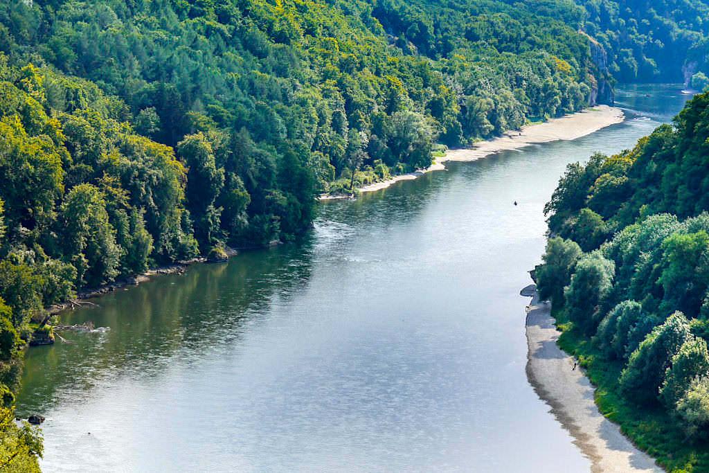 Wieserkreuz Aussichtspunkt: Ausblick auf die Donau aus der Vogelperspektive - Wanderung auf dem Weltenburger Höhenweg zum Kloster Weltenburg - Bayern