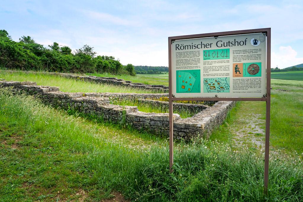 Überreste eines Römischen Gutshofes am Riegelberg - Schäferweg Wanderung im Donau-Ries - Bayern