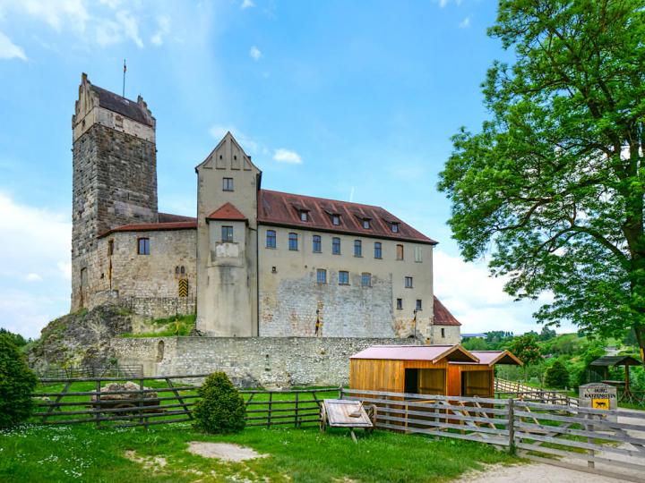 Burg Katzenstein zählt zu den schönsten Burgen & Schlösser im Donau-Ries - Baden-Württemberg