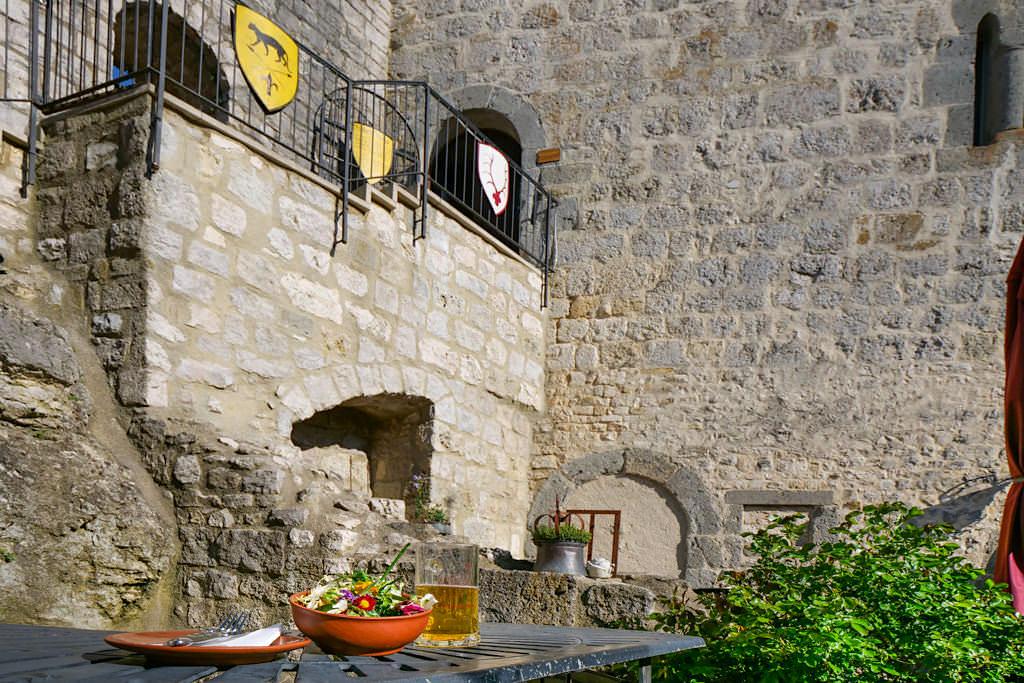 Burg Katzenstein - Schon das ausgezeichnetes Essen ist ein Burgbesuch wert - Donau-Ries, Baden-Württemberg