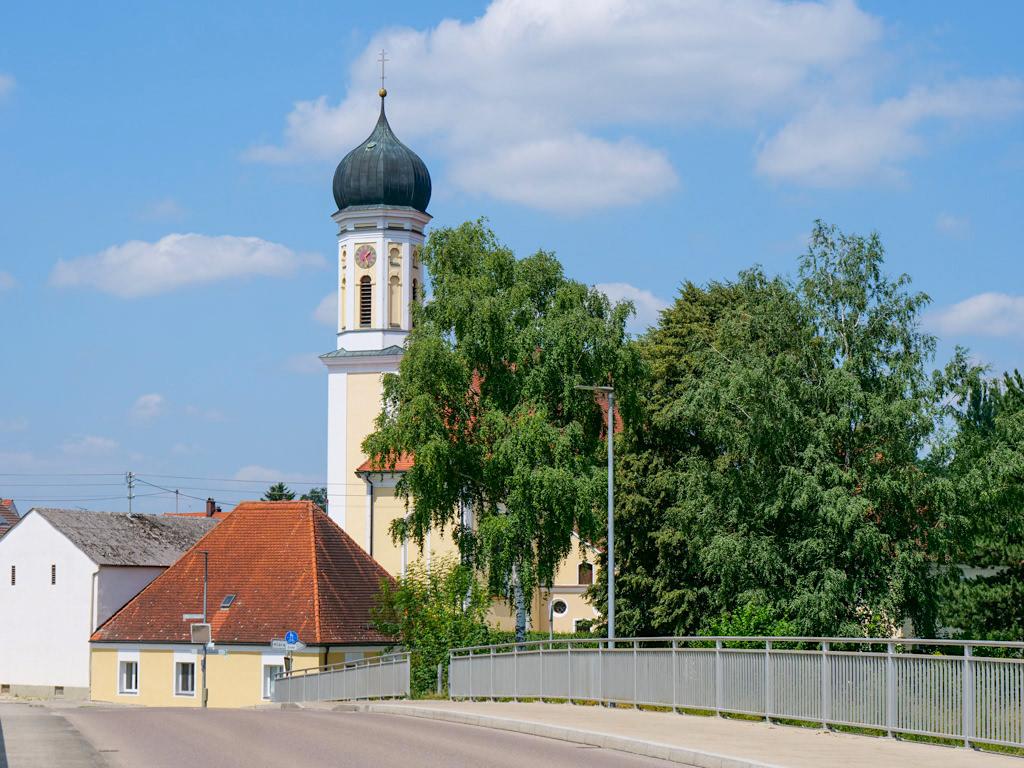 Donaumünster bei Tapfheim von der Donaubrücke gesehen - Dillinger Land, Bayern