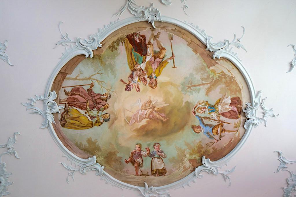 Fresken von Gottfried Bernhard Goez im Schloss Leitheim: die 4 Zyklen des Lebens - Sehenswürdigkeiten im Donau-Ries, Bayern