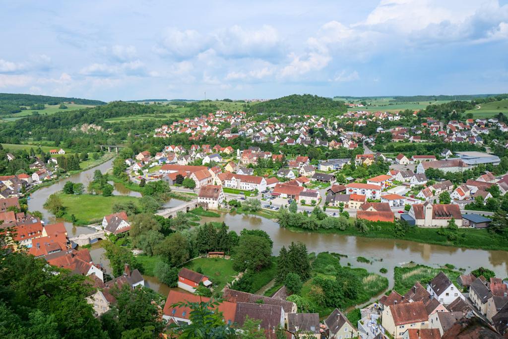 Burg Harburg - Herrlich Ausblick von den Burgmauern auf das Städtchen Harburg & den Fluss Wörnitz - Donau-Ries Sehenswürdigkeiten, Bayern