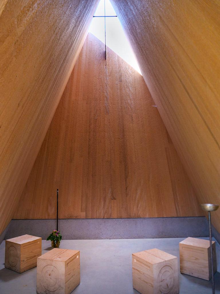 Kapelle Ludwigschwaige von innen - 7 Kapellen sind die Sehenswürdigkeiten an den Radwegen im Dillinger Land, Bayern